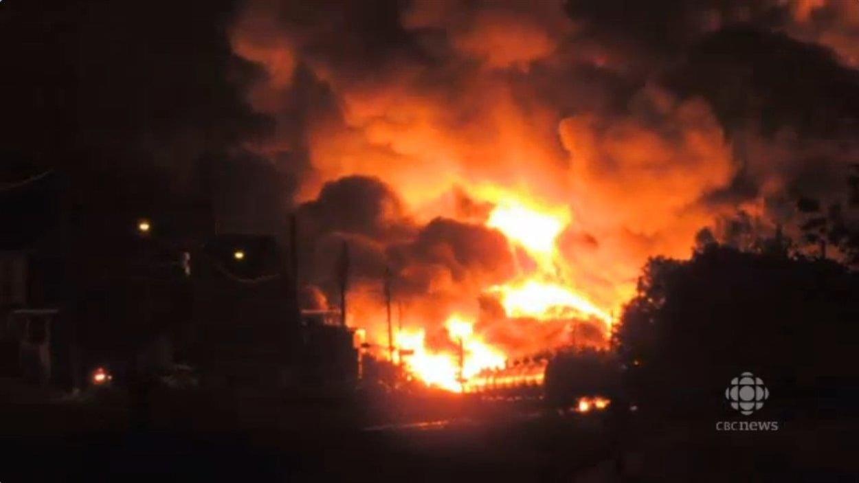 Un train sans conducteur a dévalé la pente menant à Lac-Mégantic pour exploser au centre-ville de la municipalité de l'Estrie dans la nuit du 5 au 6 juillet 2013.