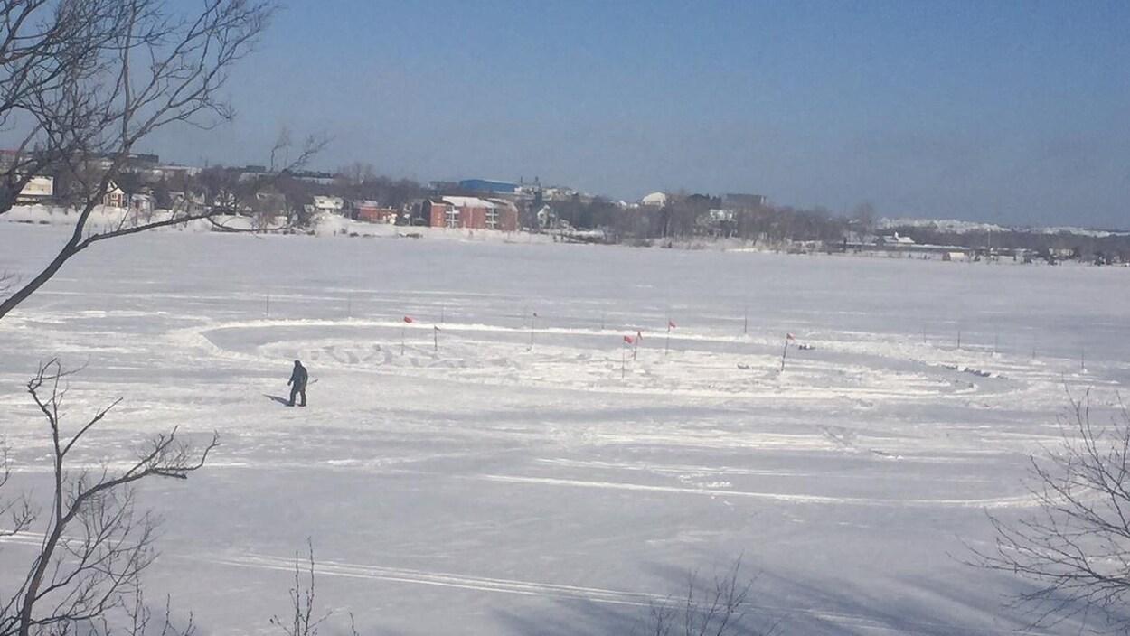 Dessin dans la neige sur le Lac osisko