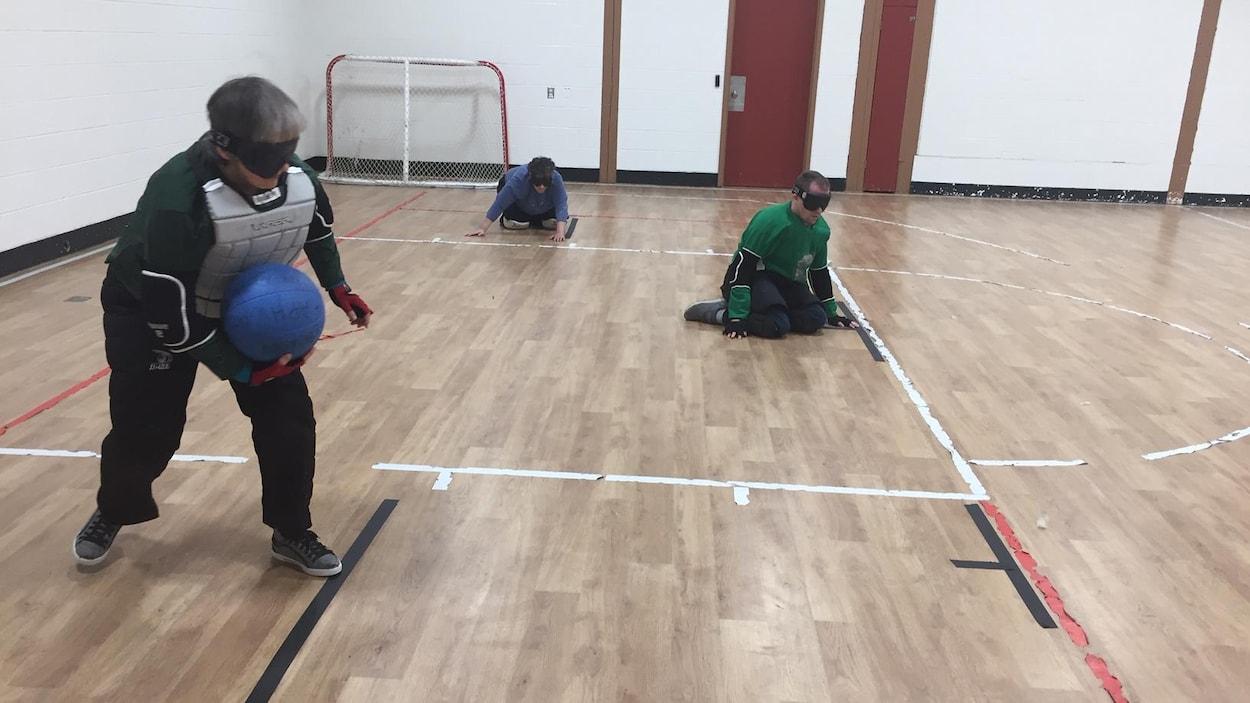 Des joueurs de goalball