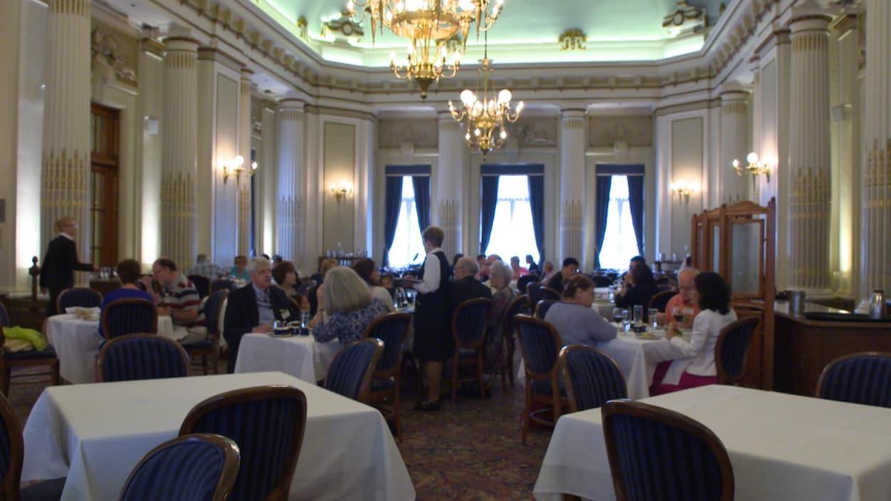 Les restaurants de l assemblée nationale accumulent