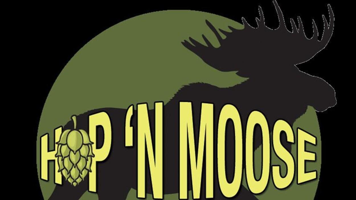 Le logo de la brasserie Hop'n Moose comprend la silhouette d'un orignal.
