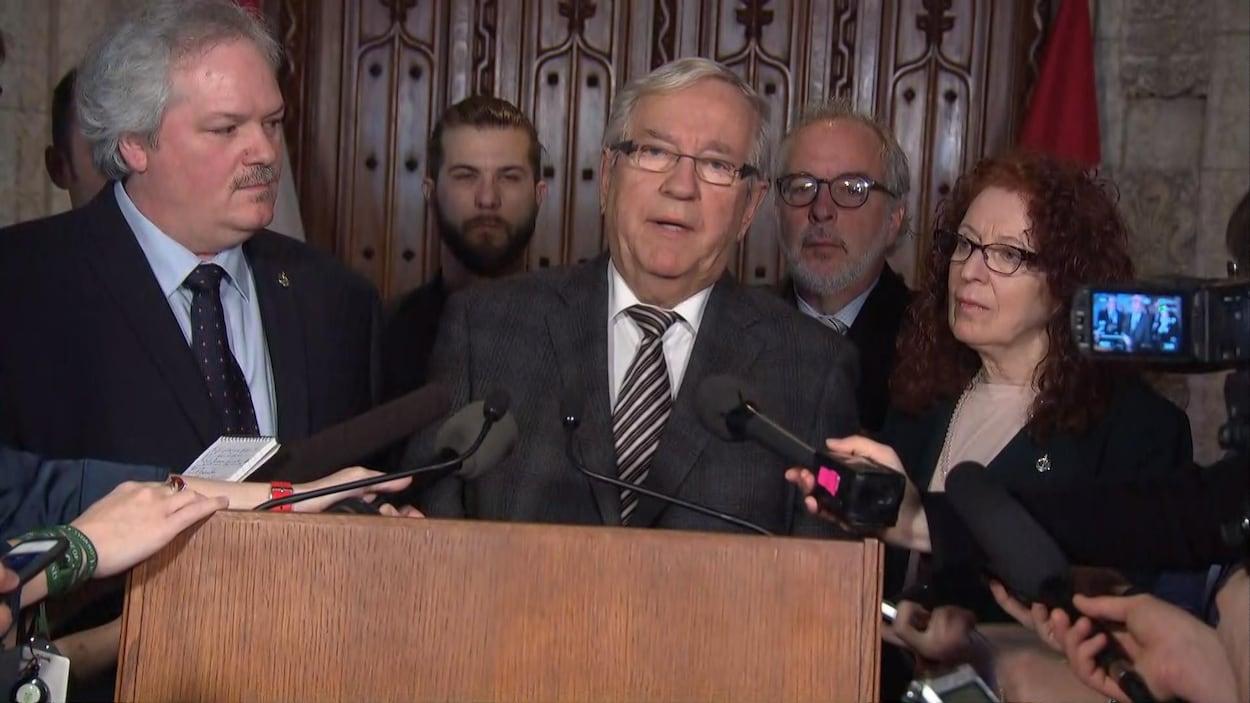 Les députés démissionnaires du Bloc en conférence de presse