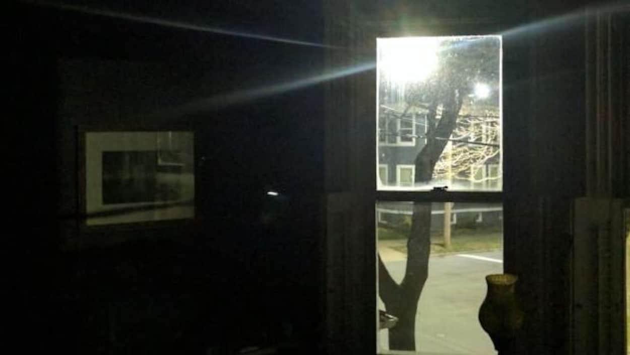 Certains résidents considèrent que la luminosité des lampadaires dans le sud de la ville d'Halifax est beaucoup trop forte.