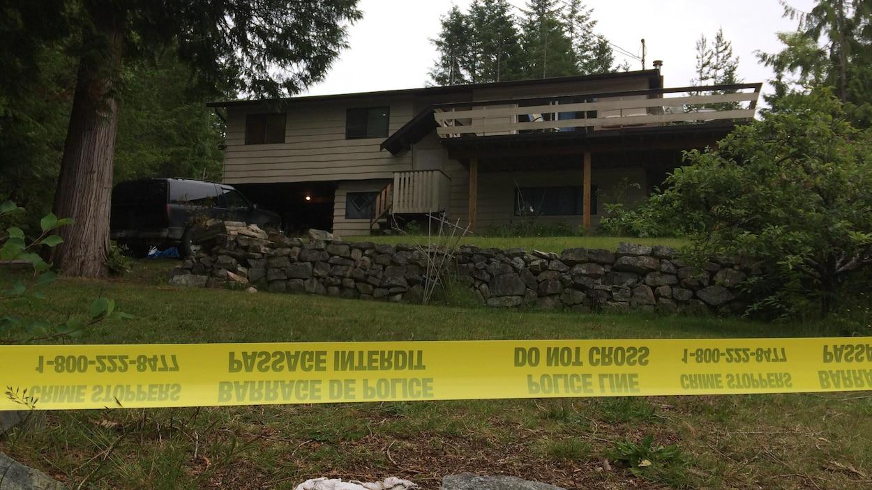 La police a découvert deux corps dans cette maison de Lund en Colombie-Britannique