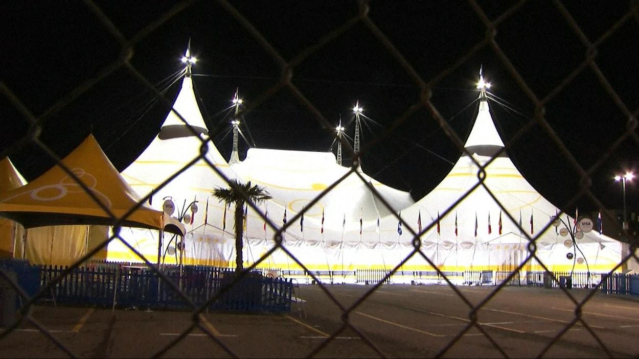 Le chapiteau du Cirque du Soleil à San Francisco