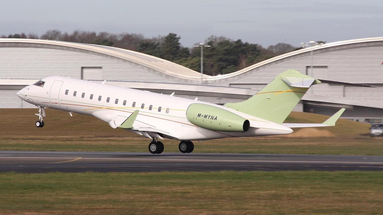 Le M-MYNA décolle.