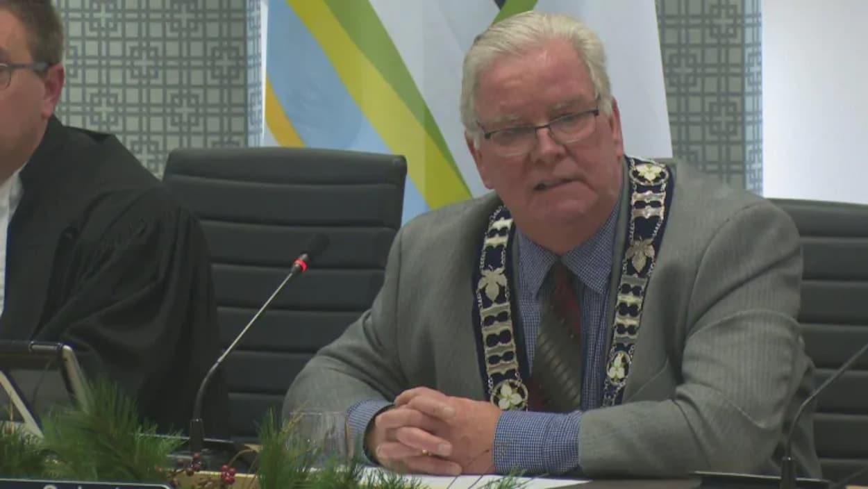 Larry Snively, le maire d'Essex.