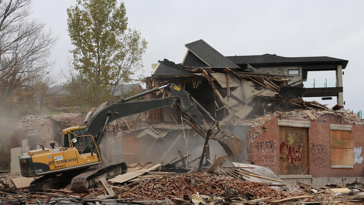 Destruction de la maison Rodolphe-Audette à Lévis.