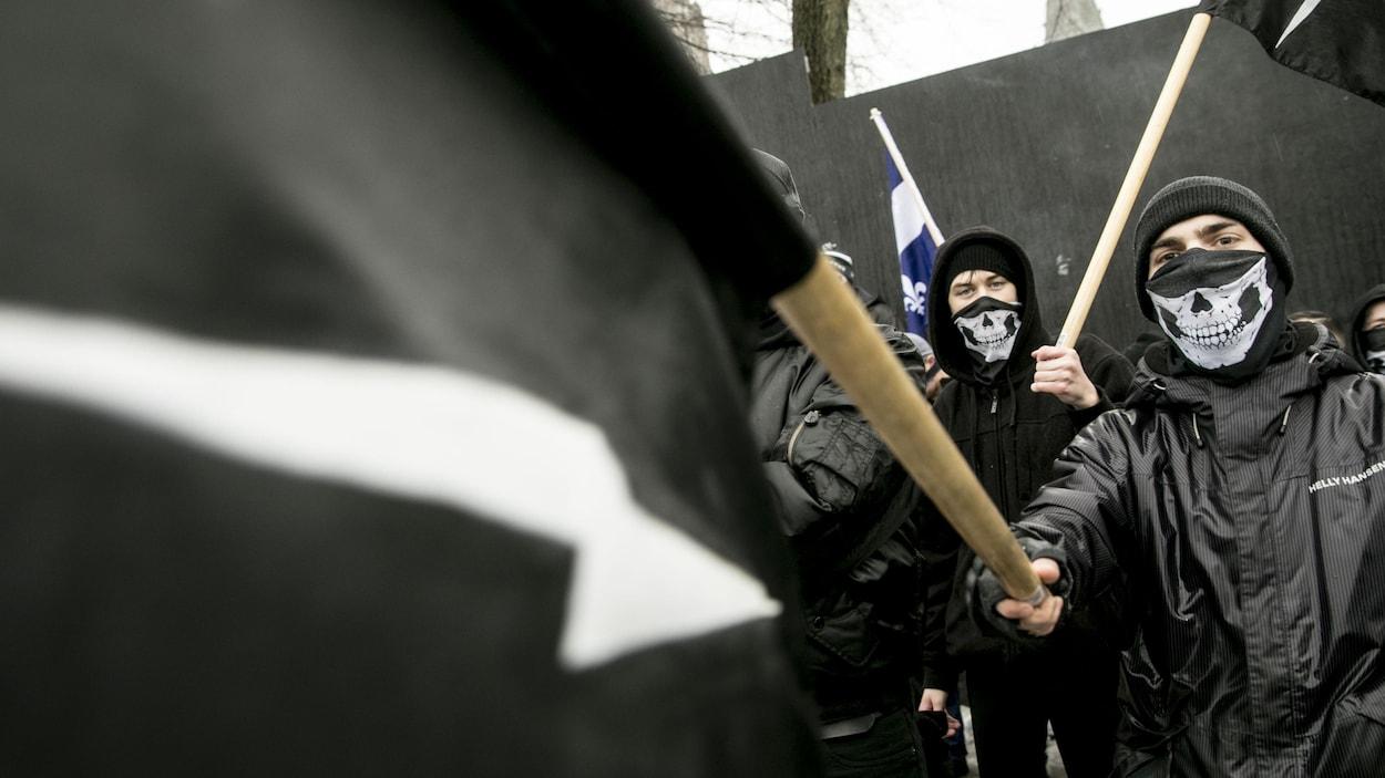 Des militants du groupe d'extrême droite Atalante étaient présents.