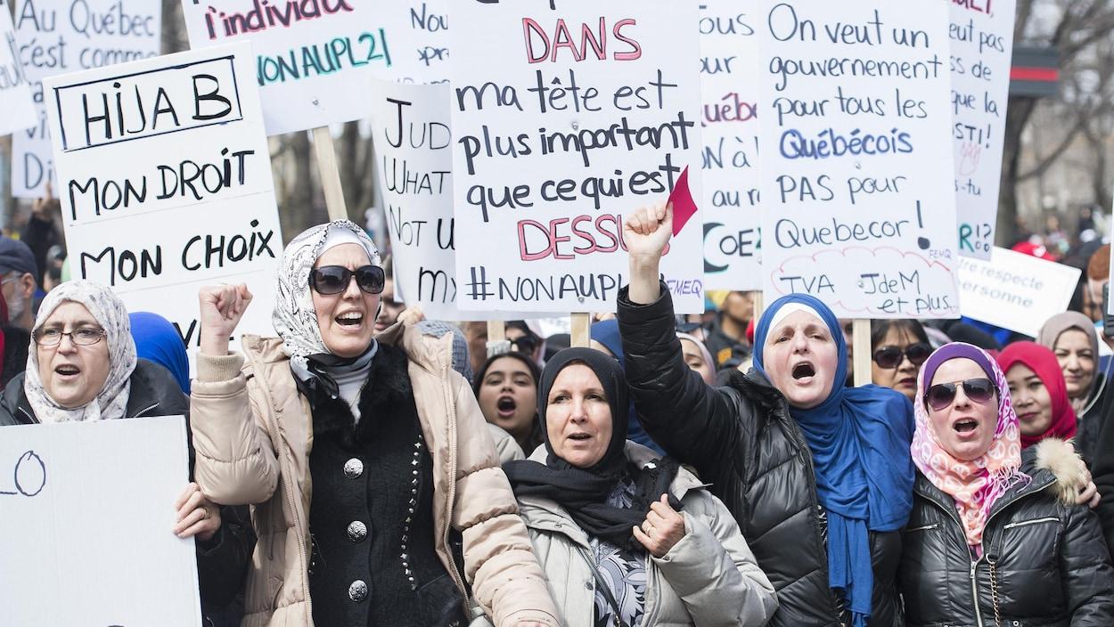 Manifestation contre le projet de loi 21 sur la laïcité au centre-ville de Montréal (7 avril 2019)