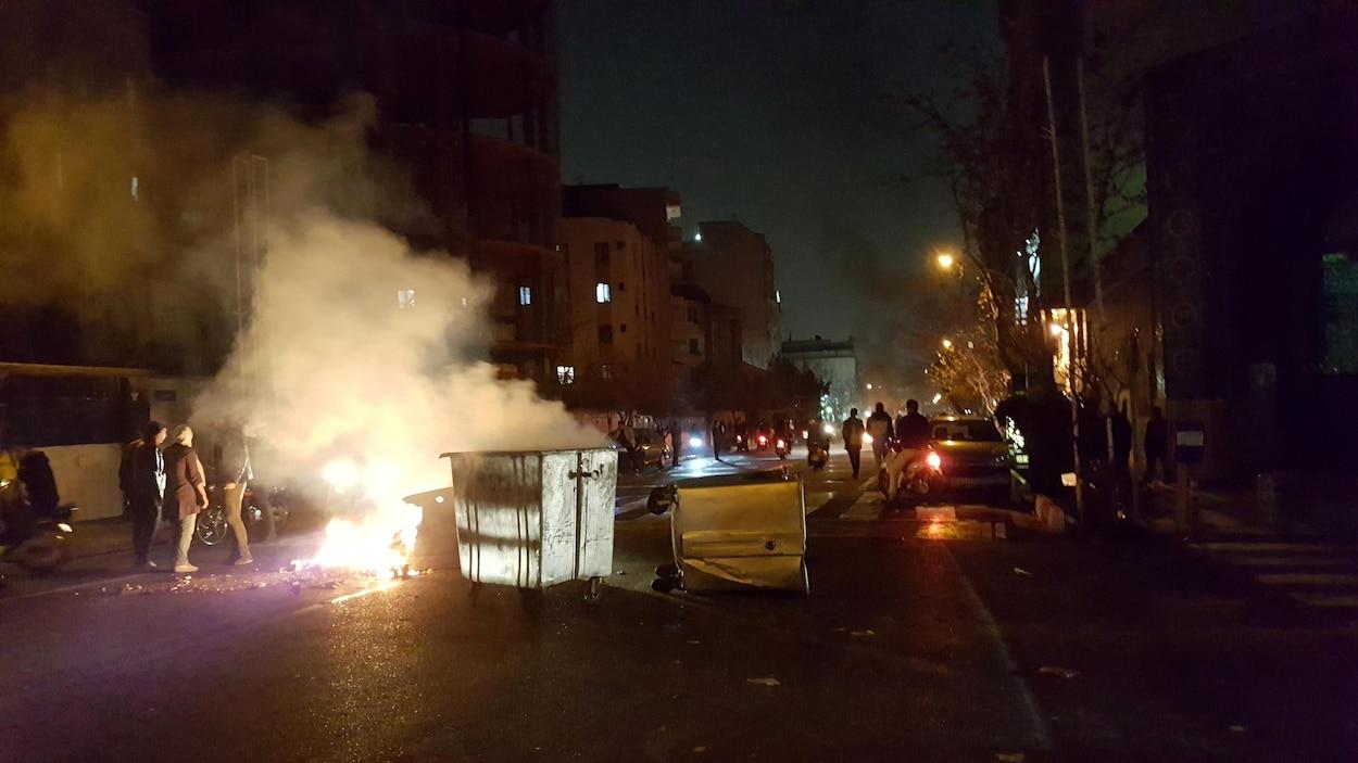 10 morts dans le centre du pays — Manifestations en Iran