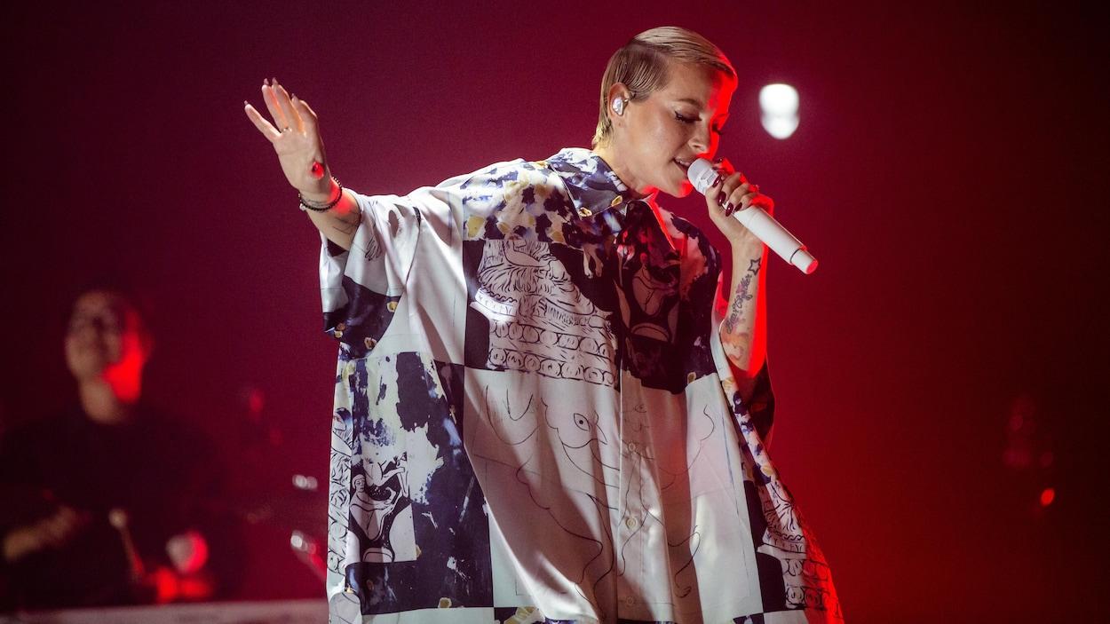 Marie-Mai sur scène.