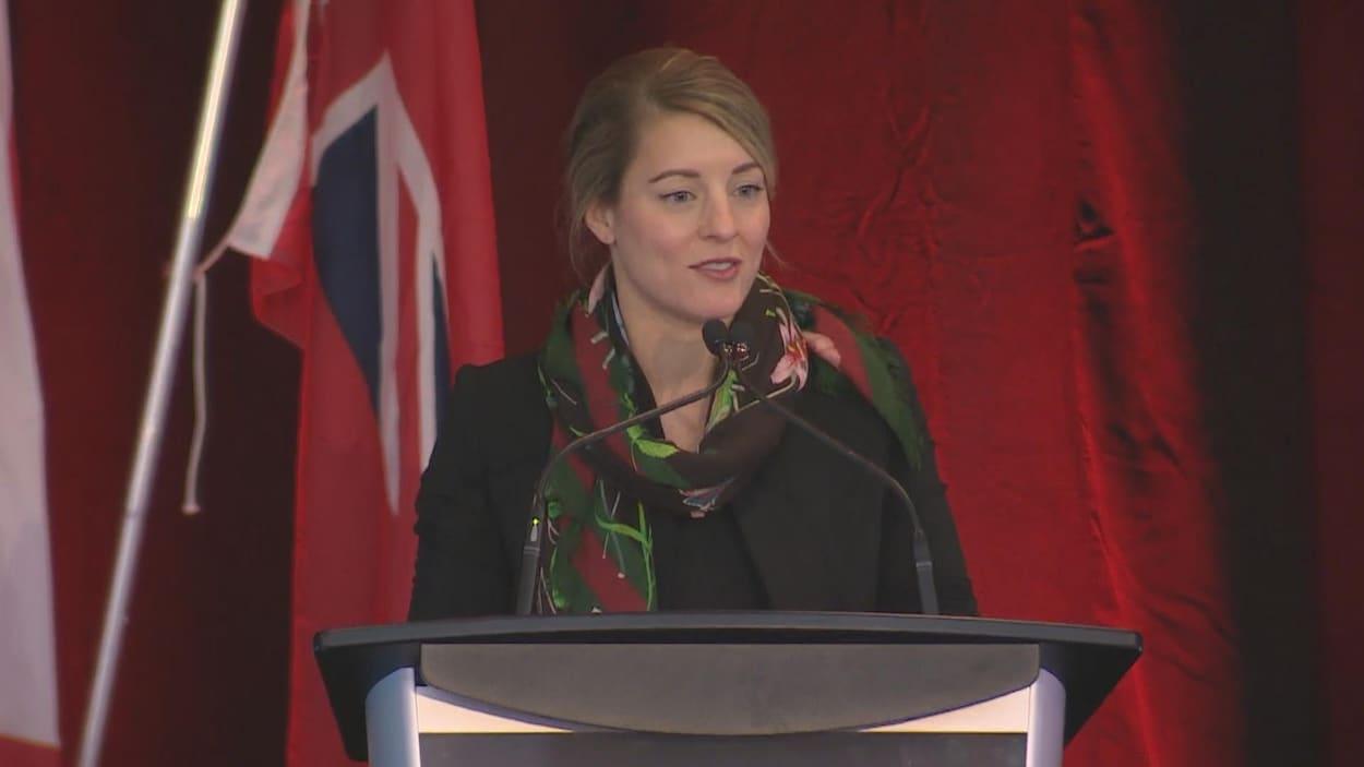 La ministre des Langues officielles et de la Francophonie, Mélanie Joly, au congrès de l'AFO