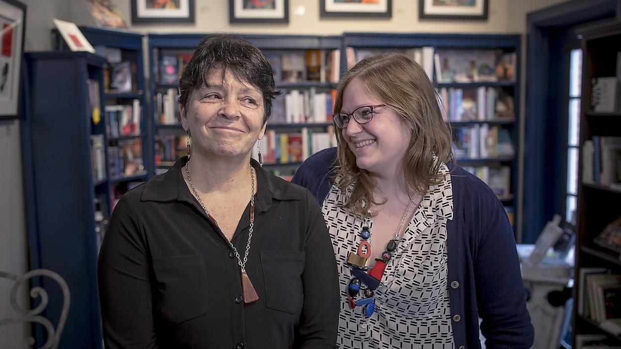 Joanne Legault (à gauche) et Claudia Legault-Dallaire (à droite).