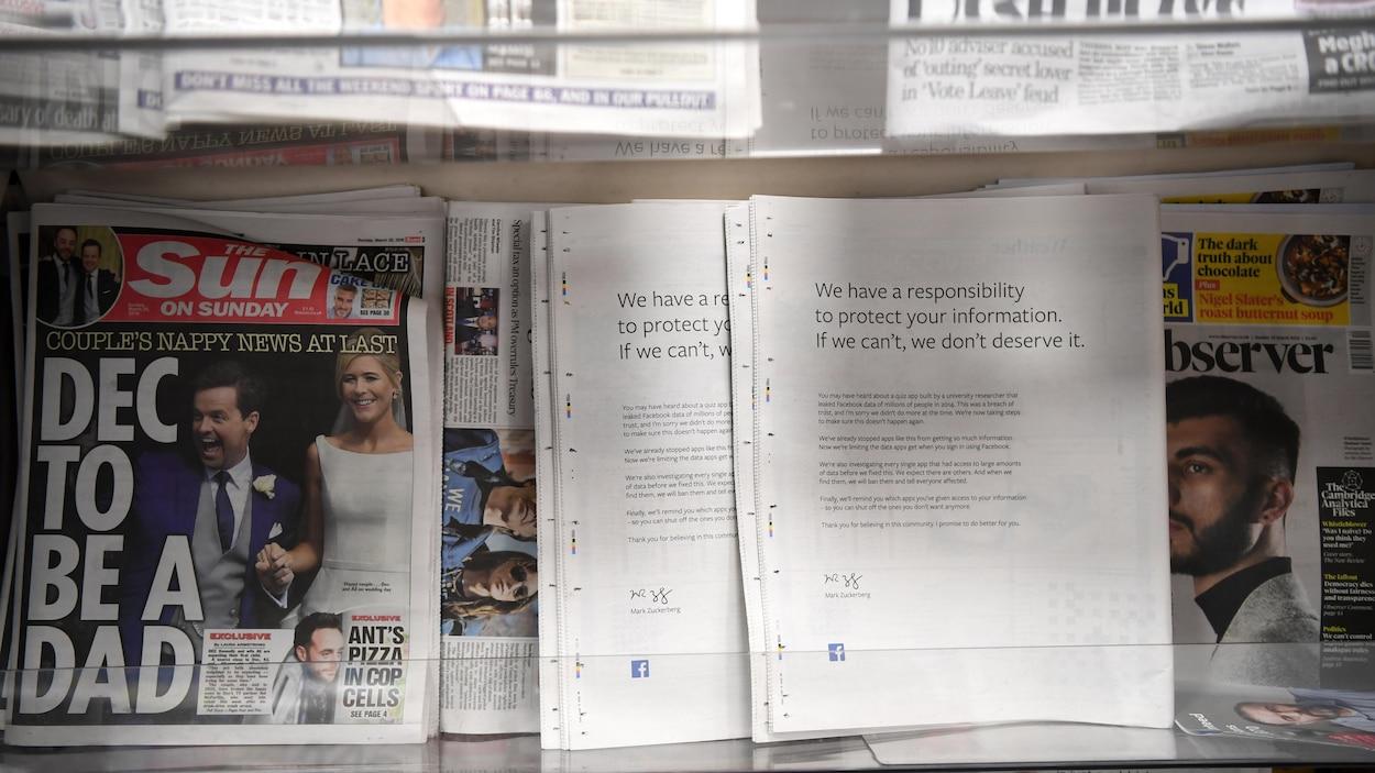 Le message d'excuses de Mark Zuckerberg, à l'endos de journaux britanniques.