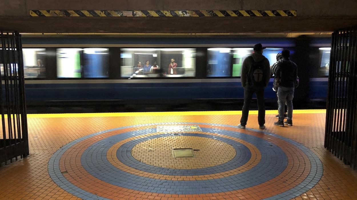 La station Jean-Talon sur la ligne orange du métro de Montréal.