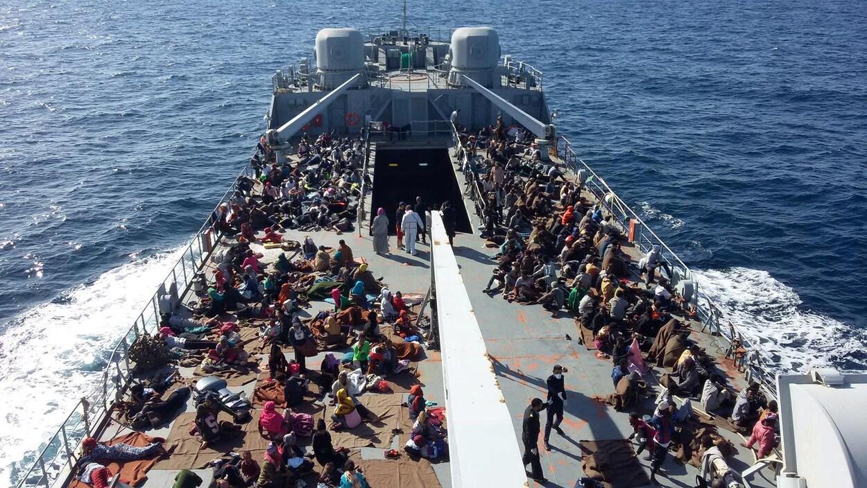 Des migrants rescapés par les garde-côtes libyens le 24 novembre dernier.