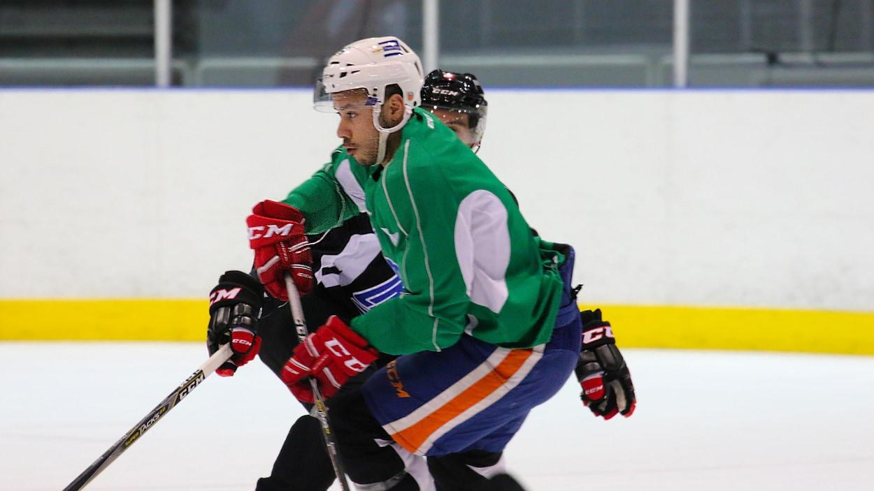 Mikaël Tam rejoindra bientôt ses nouveaux coéquipiers du Red Star de Kunlun, de la KHL, en Chine.