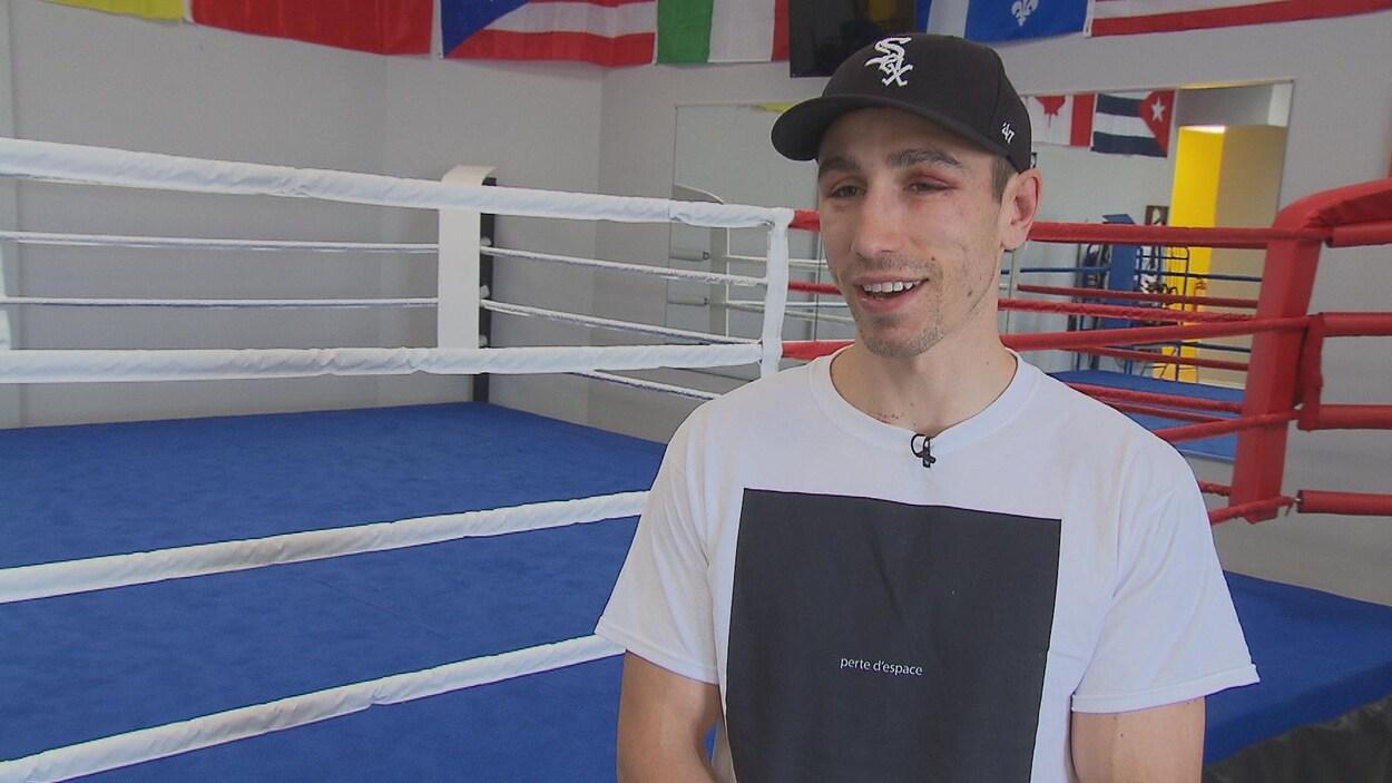 Le boxeur Mikaël Zewski savoure sa victoire de la veille au Centre Bell, après 20 mois d'absence.