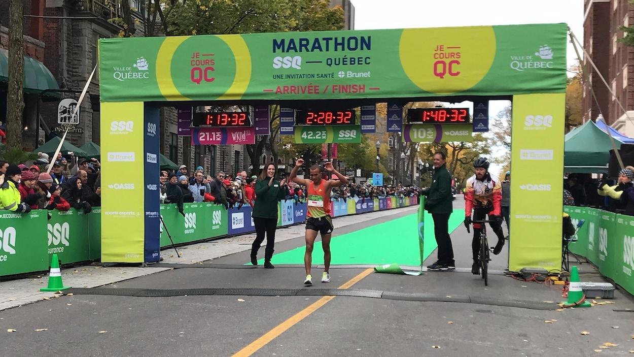 Mohamed Aagab, grand gagnant du marathon de Québec