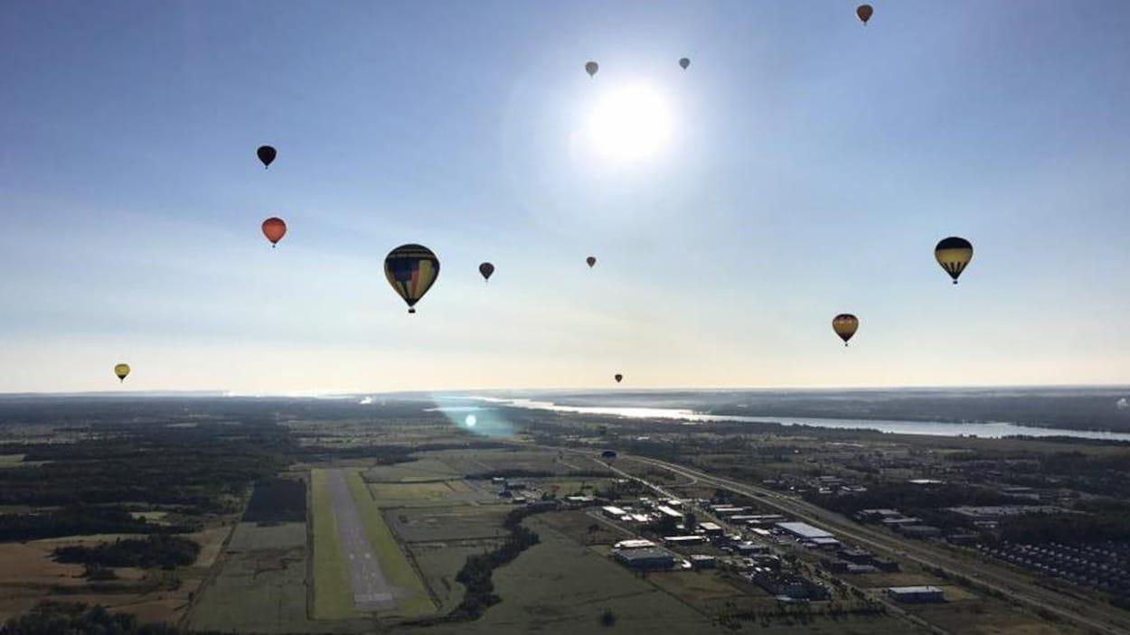 Des montgolfières dans le ciel de Gatineau