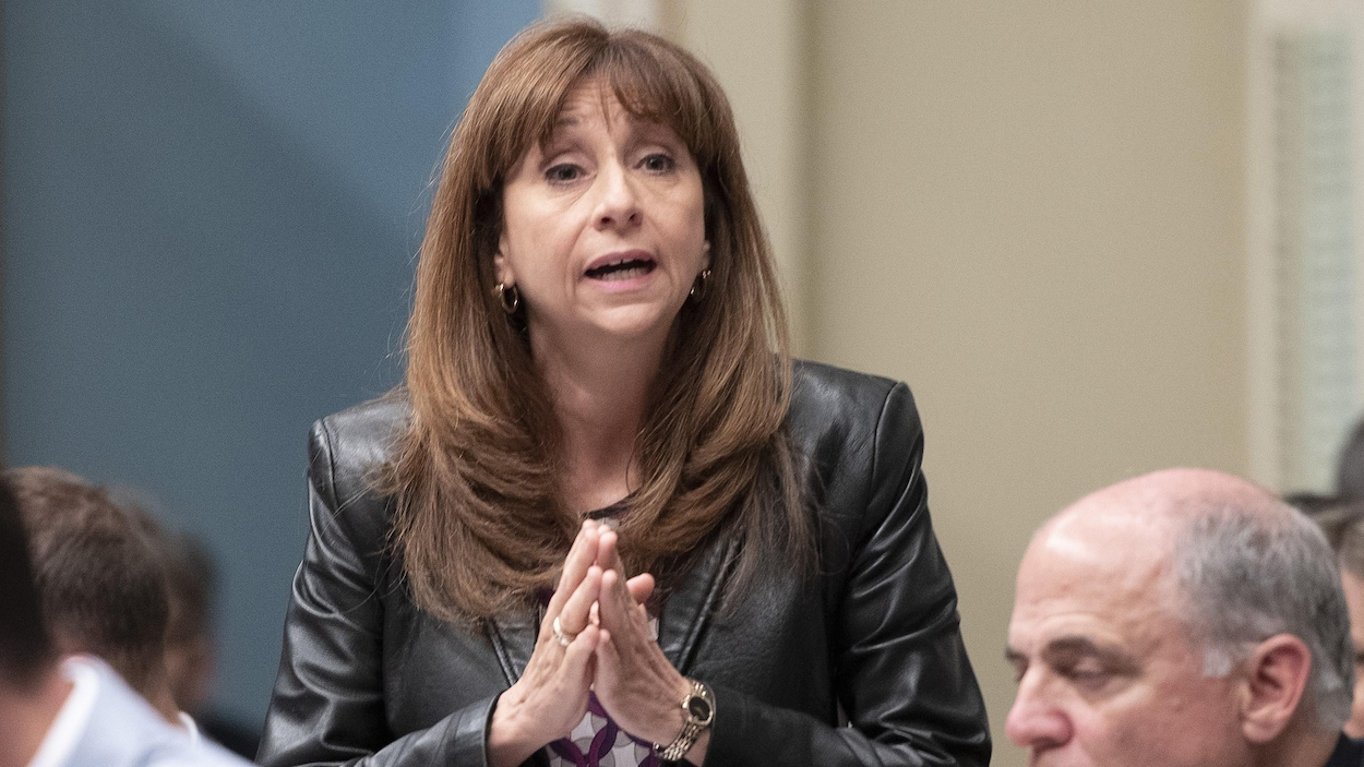 La ministre Nathalie Roy prend la parole à l'Assemblée nationale du Québec.
