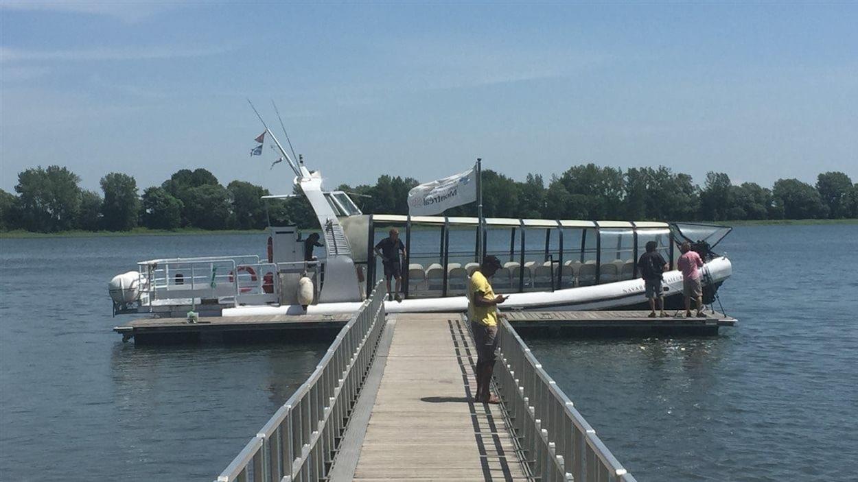 Explorateur, de l'entreprise Navark, est le type de bateau à utiliser pour le projet de navette fluviale, selon une étude.