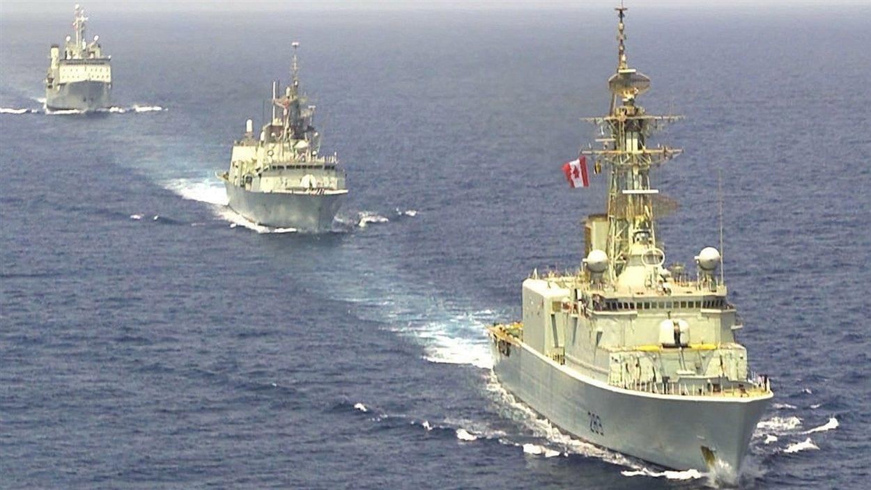 Des navires de la Marine royale canadienne