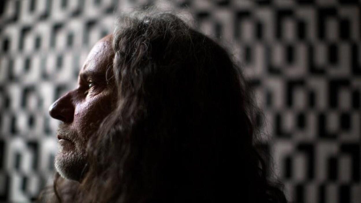 Weldon Bona, 62 ans, ne trouve personne pour l'aider à mourir, même si son dossier a été approuvé.