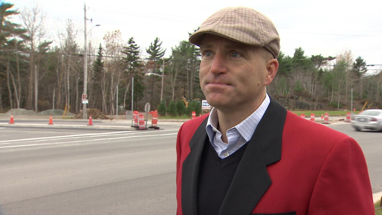 Le conseiller Matt Whitman a relayé sur Twitter une lettre destinée au conseil municipal d'Halifax, sans savoir qu'elle provenait d'un groupe suprémaciste.