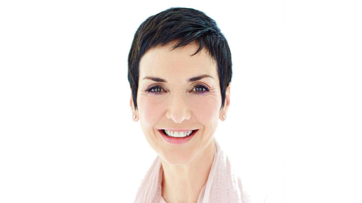 Une photo officielle de l'auteure Nicole Bordeleau.