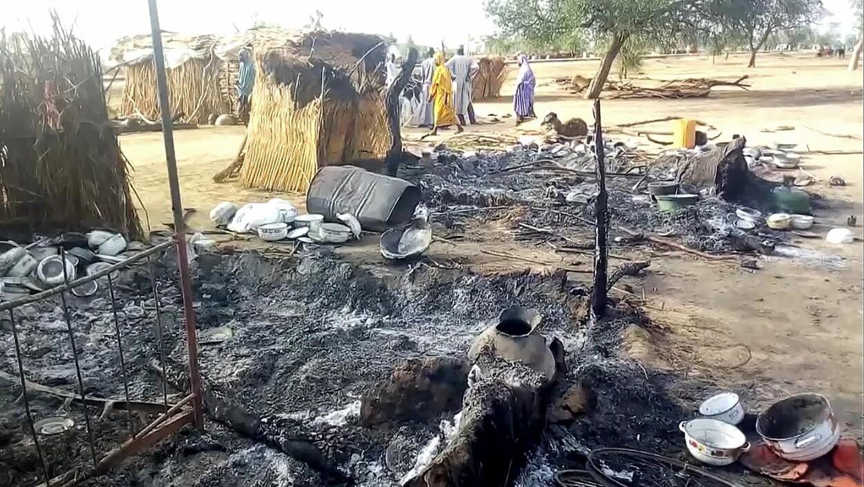 Des maisons réduites en cendres.
