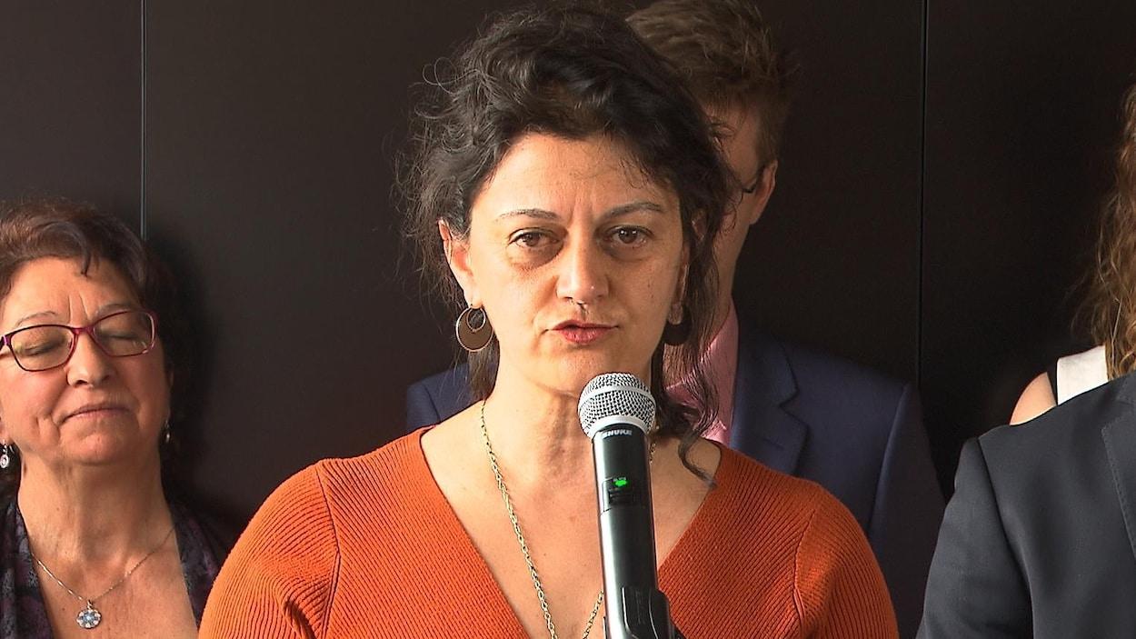 Nima Machouf au micro.