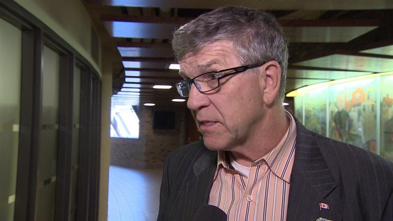 Nolan Crouse, maire sortant de Saint-Albert