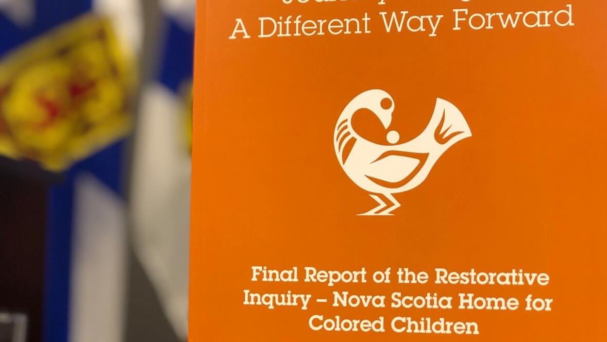 Couverture orange du rapport final de l'enquête.