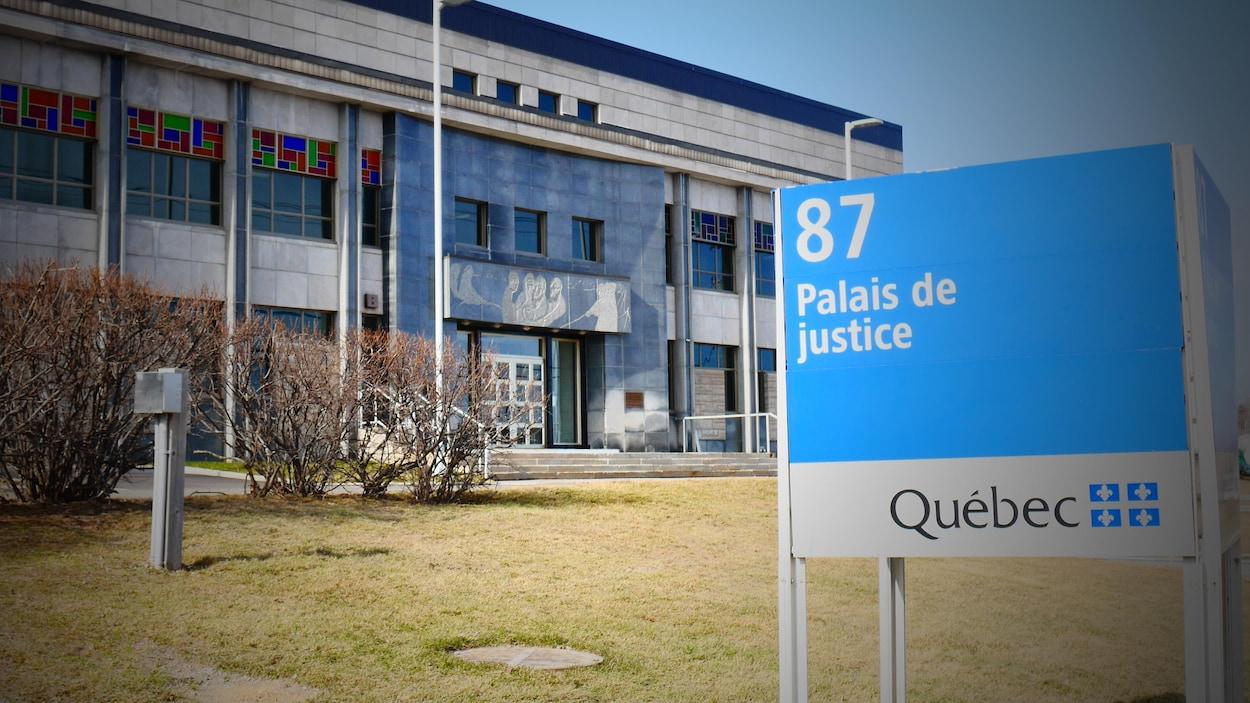 Le respect dû aux morts se perd au Québec et dans le monde... - Page 2 Palais-de-justice-new-carliste