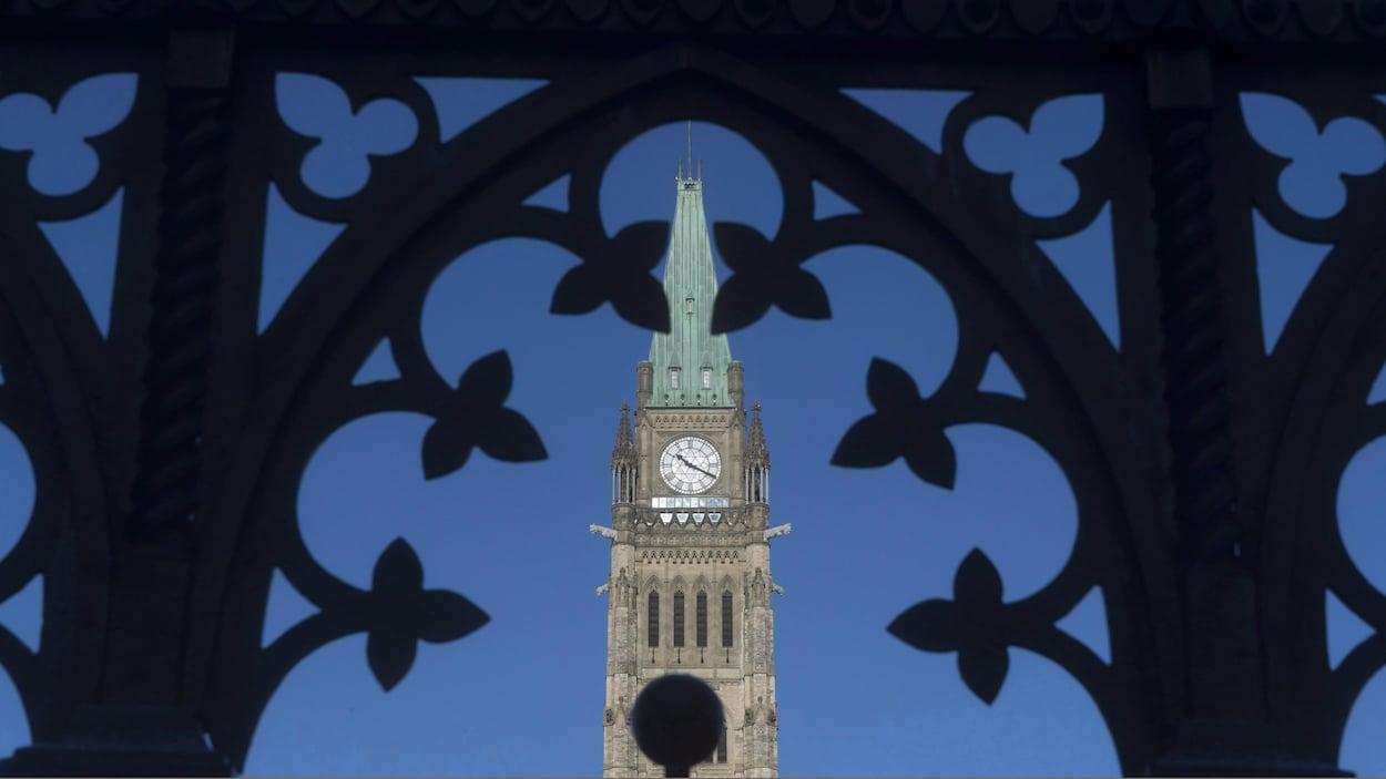 Le Directeur parlementaire du budget a publié une étude, jeudi matin, selon laquelle un peu plus de 4000 familles québécoises paieraient davantage d'impôts en vertu des modifications apportées par le ministre Morneau à sa réforme en décembre.