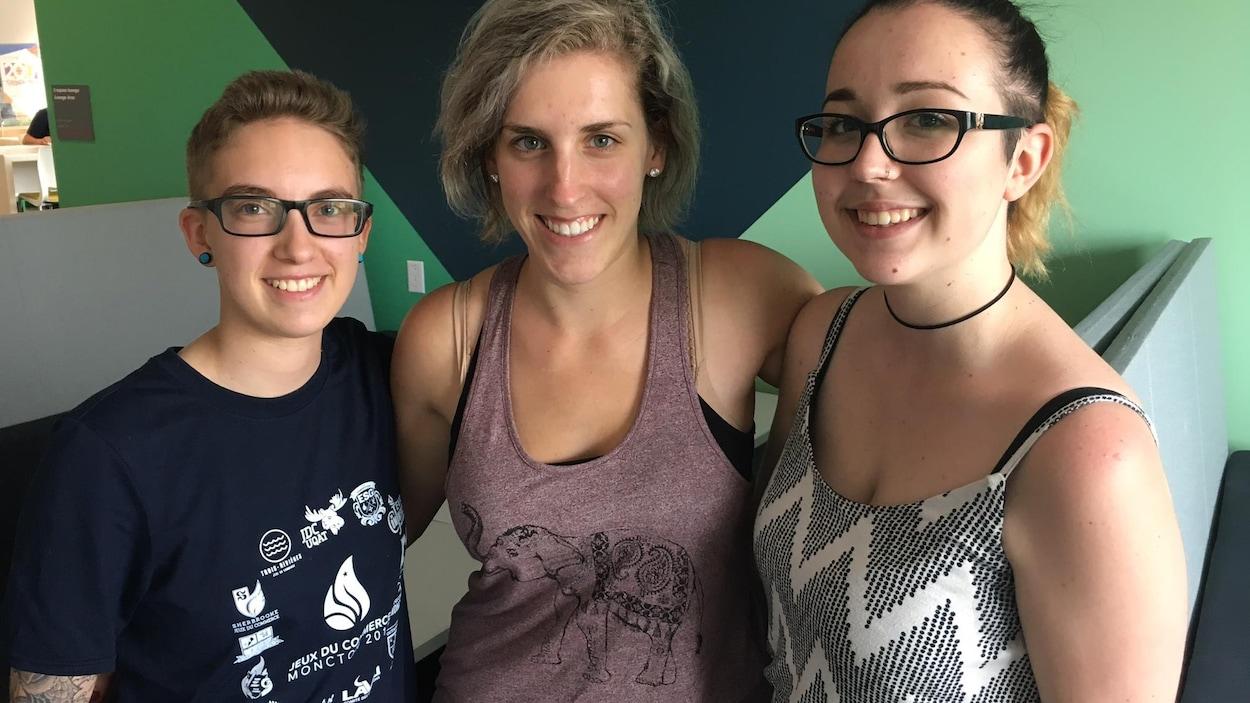 De jeunes femmes lesbiennes de la région de Moncton témoignent du manque de modèles.