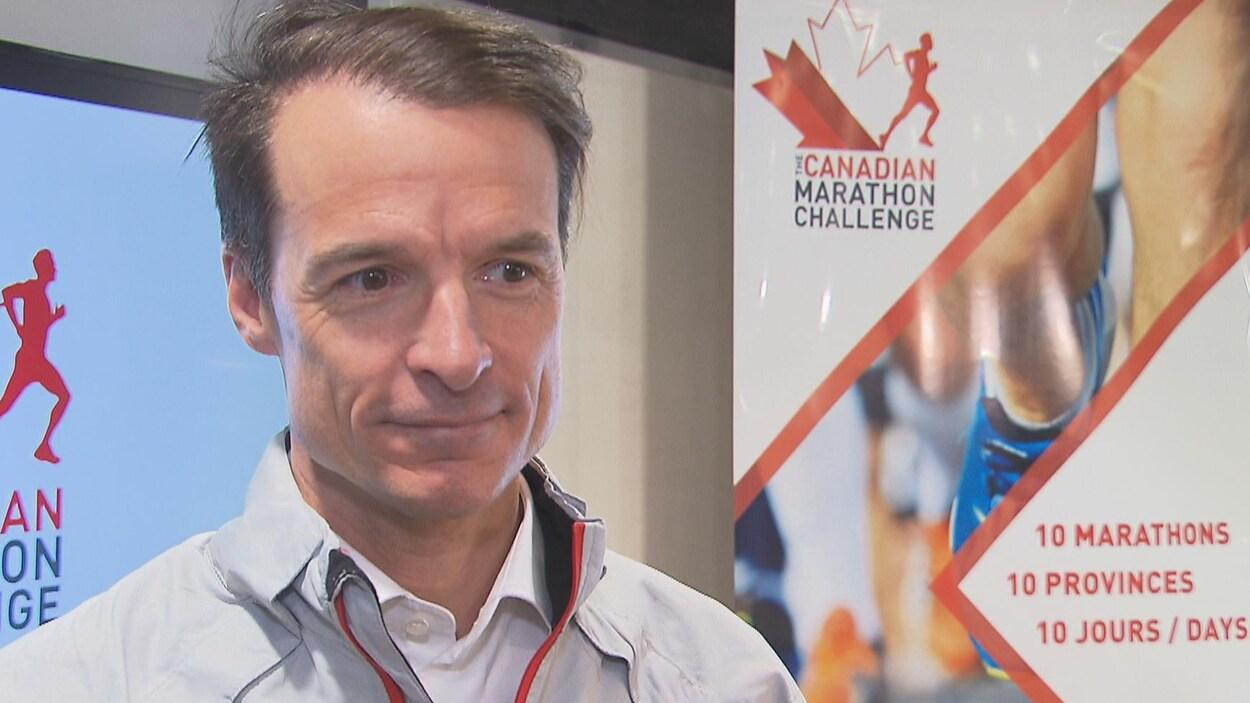 Patrick Charlebois lors de l'annonce de son défi.