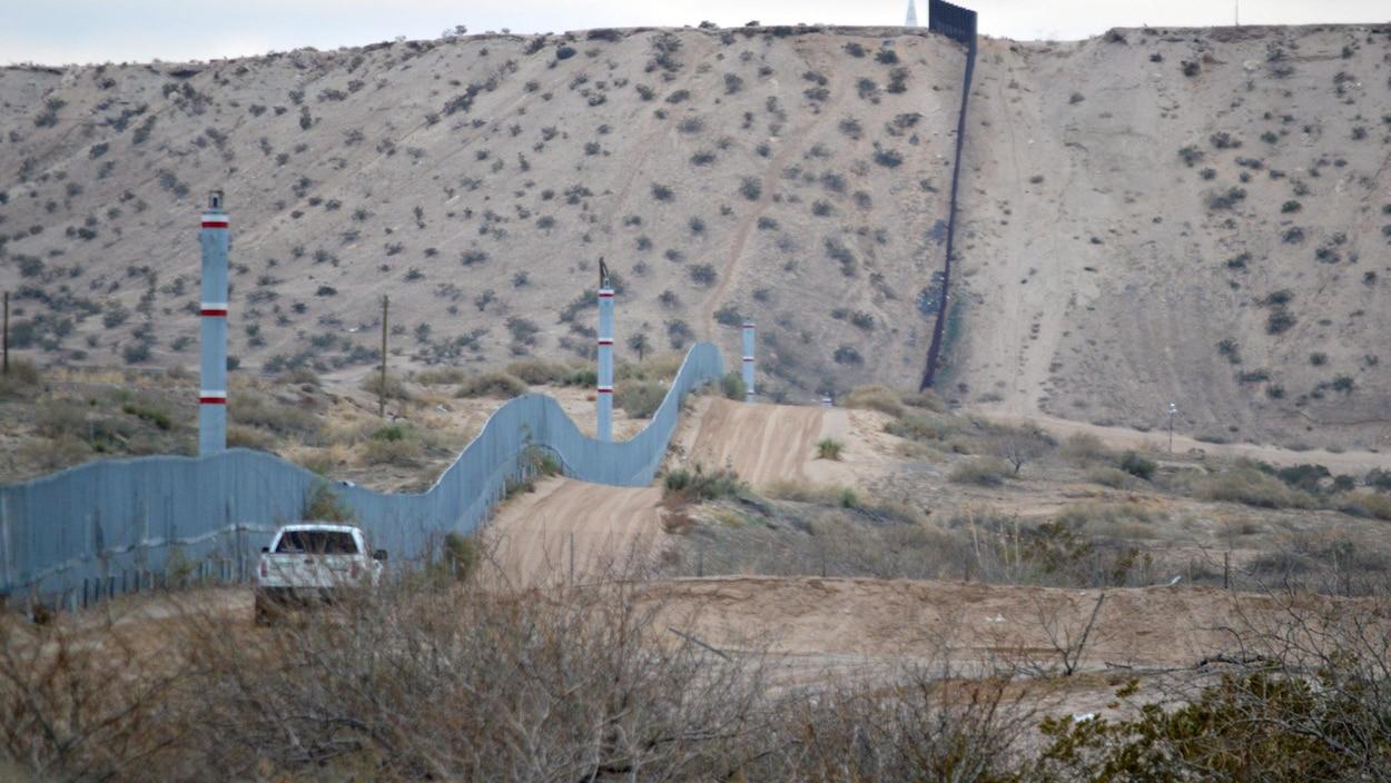Patrouille côté américain le long de la frontière avec le Mexique.