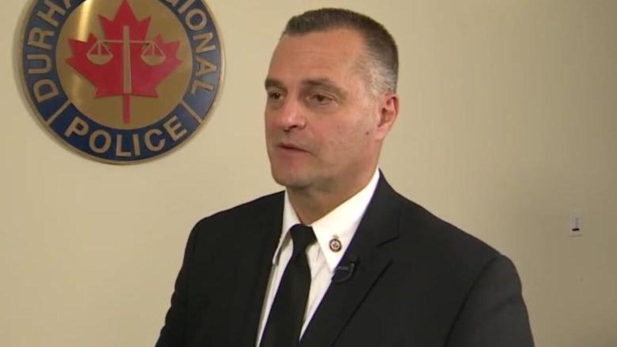 Paul Martin dans un local du service de police de Durham