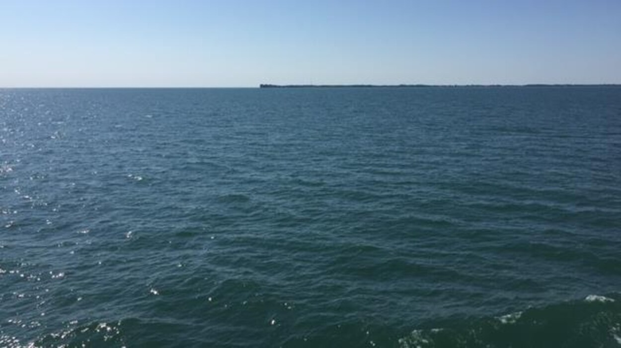 Vue du lac Érié avec au loin, Leamington, dans le Sud-Ouest de l'Ontario.