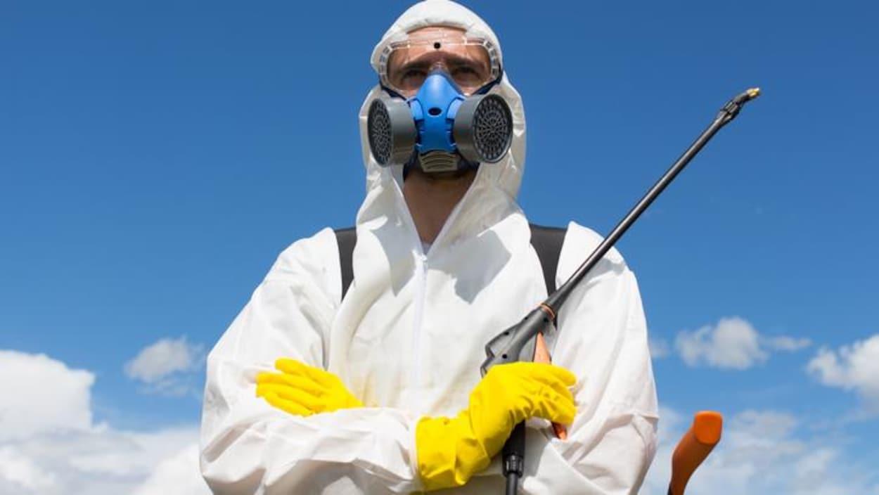 Protection avant l'épandage de pesticides.