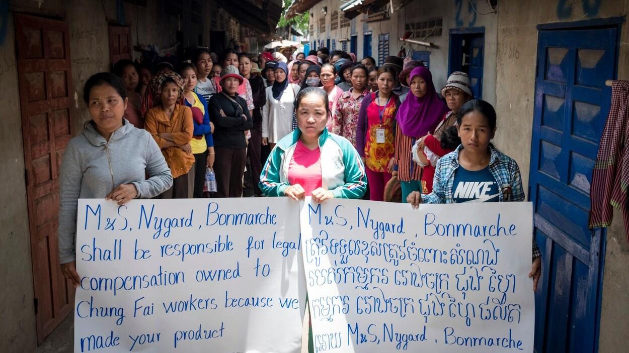 Les 208 travailleurs cambodgiens qui ont perdu leur emploi à l'usine Chung Fai réclament 550 000 $US en indemnités de licenciement.