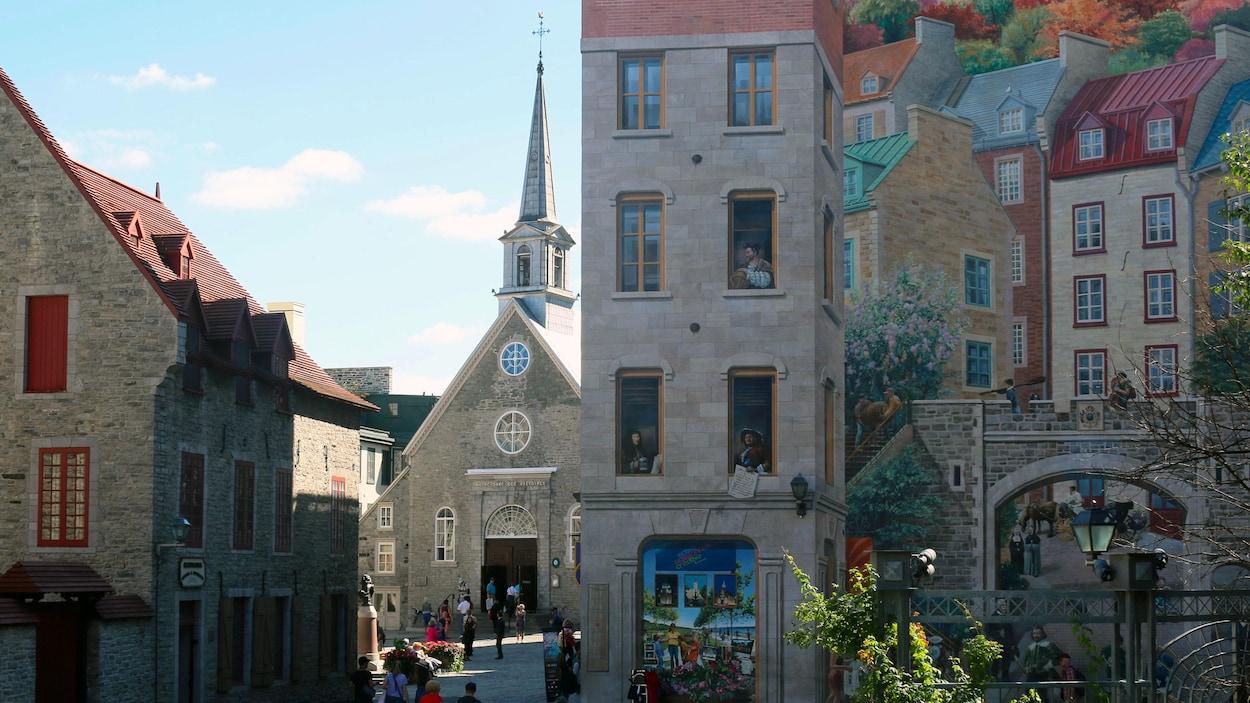 Des touristes dans le Petit-Champlain
