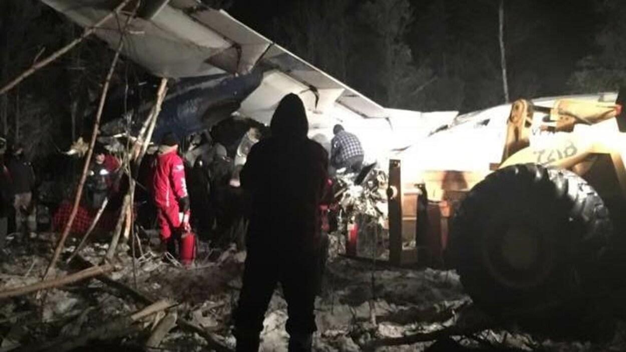 Un avion à passagers s'écrase au Canada