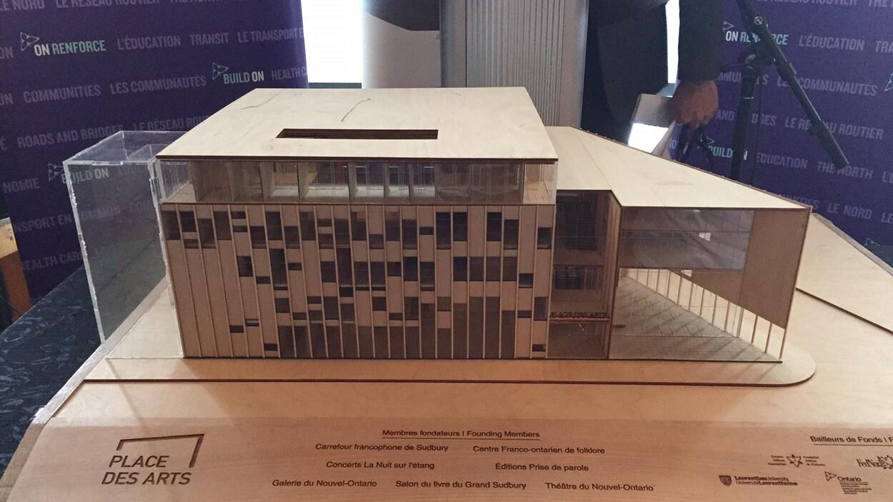La maquette temporaire de la nouvelle Place des Arts dans le Grand Sudbury, avant le choix des architectes.