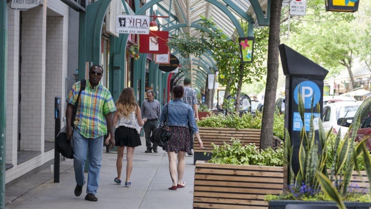 Plaza Saint-Hubert, Montréal