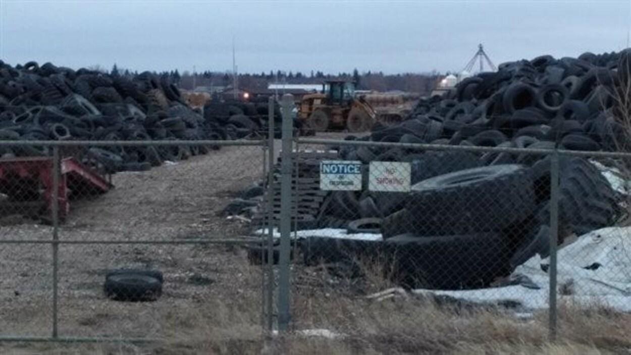 Lafarge Canada estime qu'elle pourrait brûler jusqu'à 20 tonnes de pneus usagés par jour et jusqu'à 6000 tonnes par année.