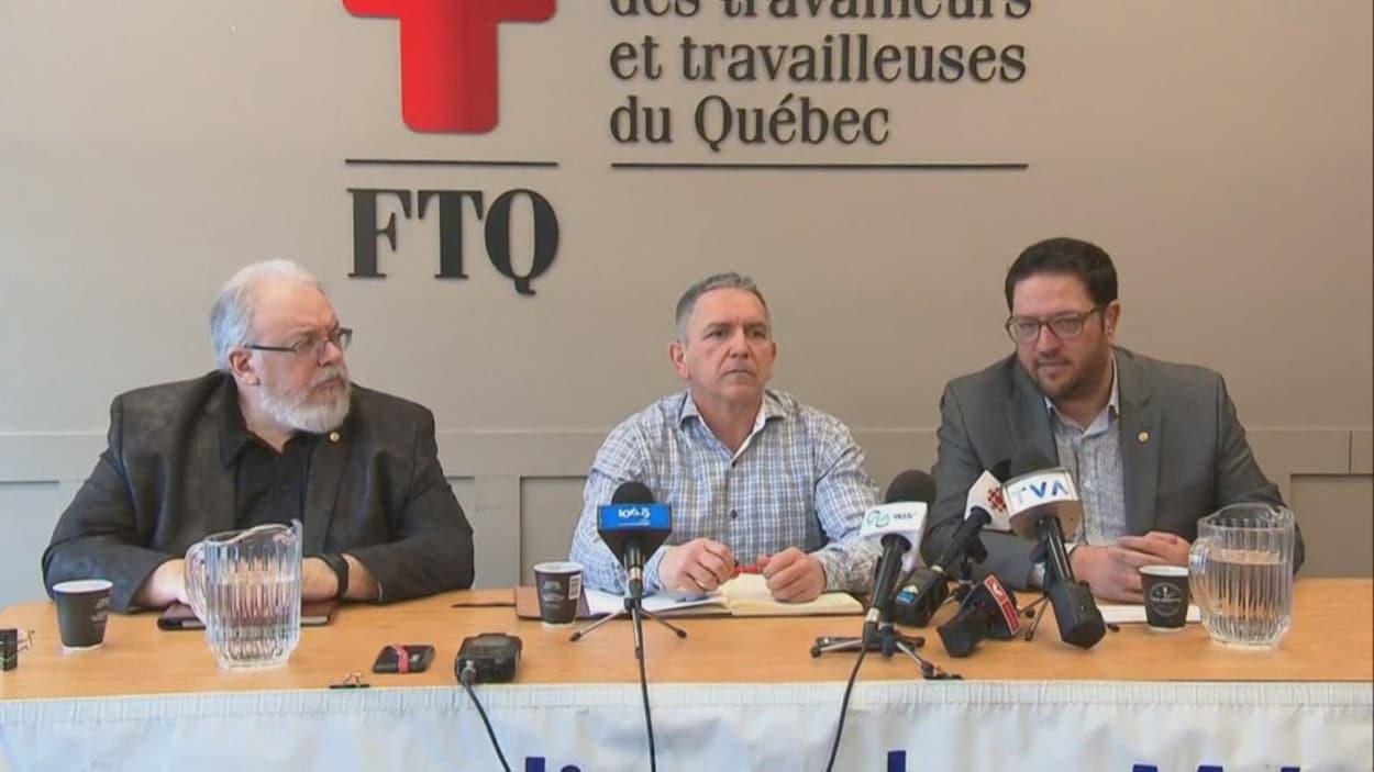 Des représentants du Syndicat des métallos rencontrent la presse.